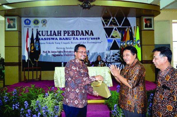 Motivasi Maba, STTNas Yogyakarta Hadirkan Alumni dalam Kuliah Perdana