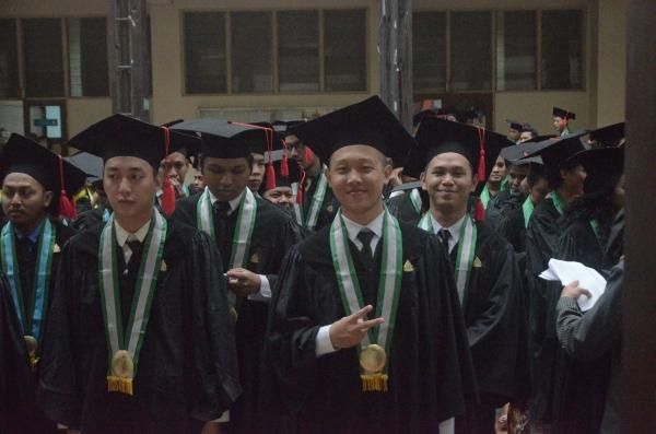 UKDW Yogyakarta Mewisuda 256 Mahasiswa