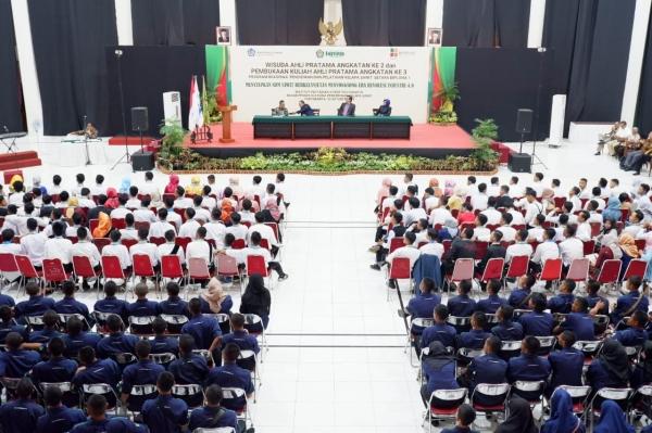 INSTIPER Beri 200 Anak Petani dan Anak Buruh Beasiswa D1
