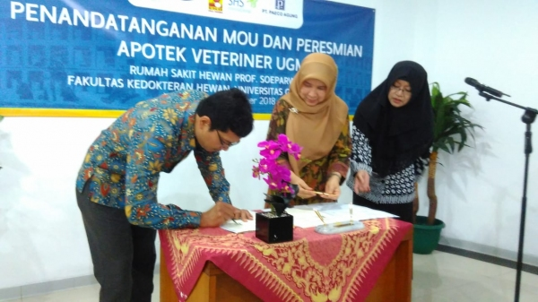 UGM Resmikan Apotek Veteriner Pertama di Indonesia