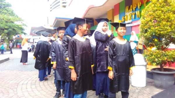 Baznas Kota Yogyakarta Mewisuda Puluhan Santri Madrasah Al-Quran