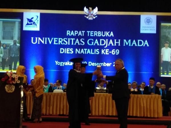 Menteri PUPR Mendapat Hamengku Buwono IX Award dari UGM