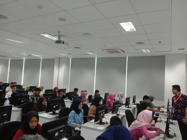 Ujian Tulis Berbasis Komputer Di UGM Berjalan Lancar