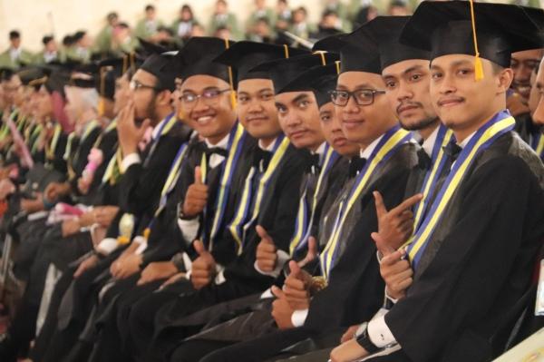 229 Mahasiswa UPN Veteran Yogyakarta Lulus Cum Laude