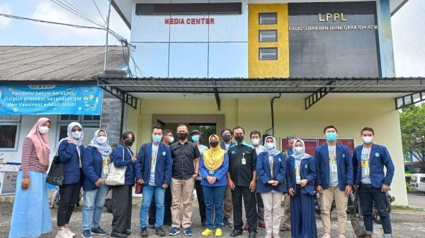 Tingkatkan Kemitraan Bidang Penyiaran, Radio Edukasi Lakukan Kunjungan ke LPPL Radio Suara Banjarnegara